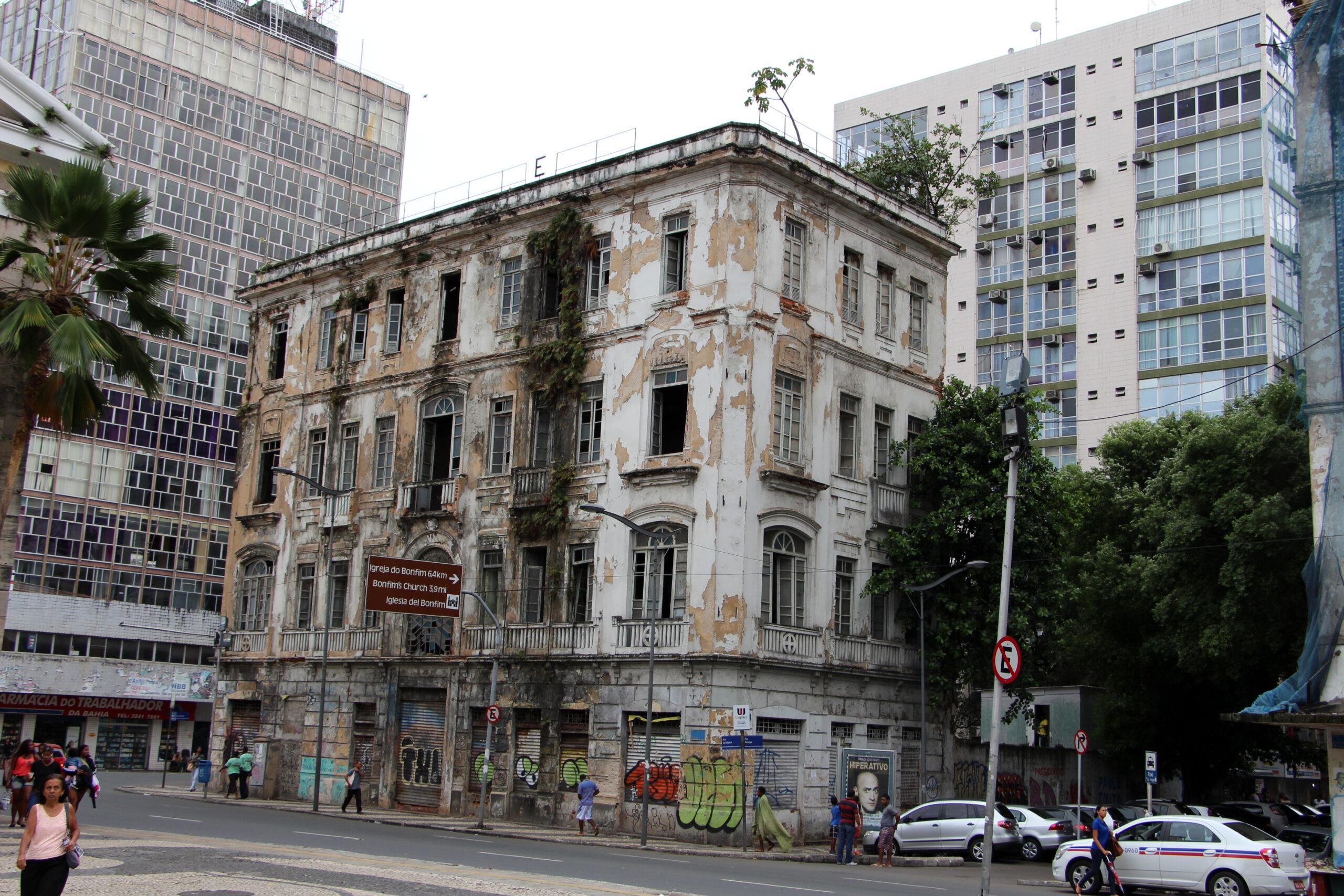 VIDEO: Edifici abbandonati & Ordinanza sindacale contingibile e urgente